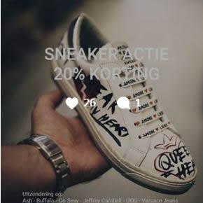Sneakers afgeprijsd