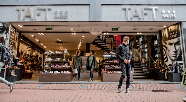 In the Kalverstraat buy shoes at Taft Shoes