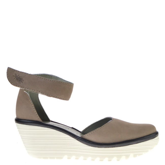 Fly London Sandalen met Sleehak in Naturel online kopen